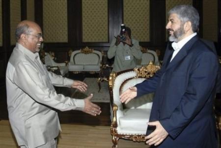 Hamas-ledaren Khaled Mashal kom för att hylla folkmördaren