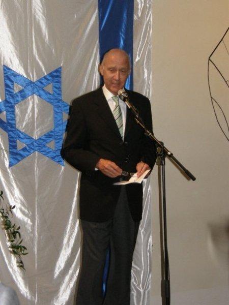Bo Sallmander håller tal vid ceremonin i Berwaldhallen 4 maj.