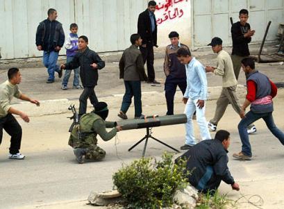 Hamas och mänskliga sköldar (Arkivfoto AP)