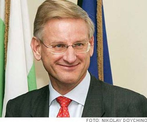 http://fredimellanostern.files.wordpress.com/2010/07/carl-bildt4.jpg?resize=505%2C417